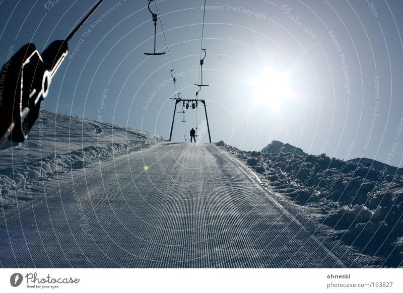 Lift Außenaufnahme Textfreiraum unten Morgen Licht Silhouette Sonnenlicht Sonnenstrahlen Sonnenaufgang Sonnenuntergang Gegenlicht Totale Winter Schnee