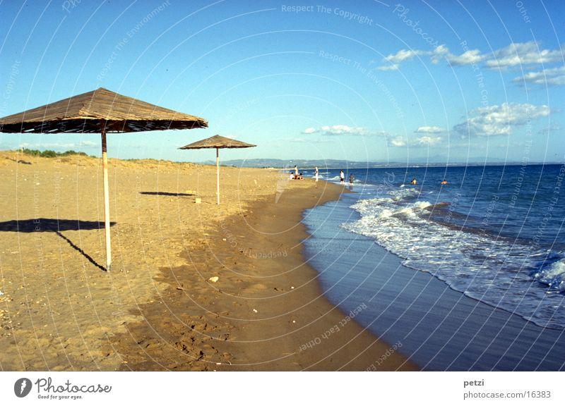 Strand von Vartholomio Ferne Meer Himmel Wolken Wellen Küste Griechenland Europa Freude Glück Fröhlichkeit Zufriedenheit Farbfoto mehrfarbig Außenaufnahme