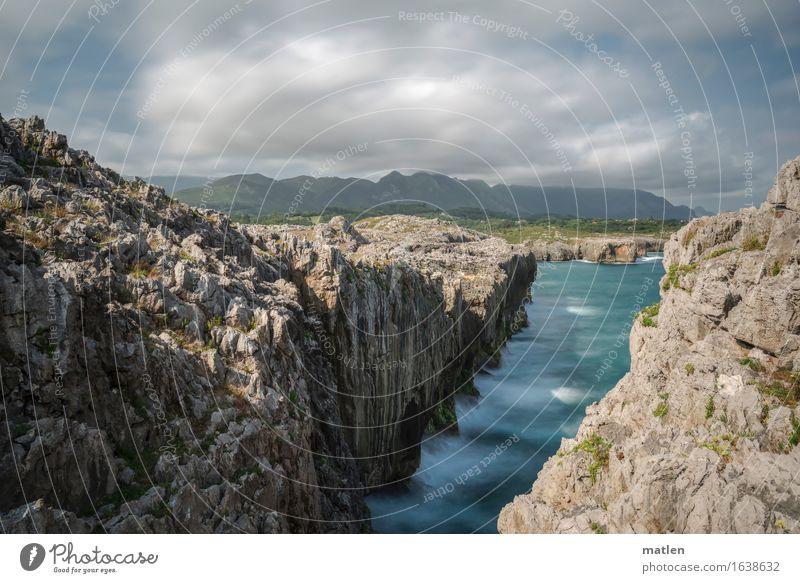 Asturien Natur Landschaft Wasser Himmel Wolken Sommer Wetter Schönes Wetter Hügel Felsen Berge u. Gebirge Schlucht Wellen Küste Bucht Fjord Riff Meer gigantisch