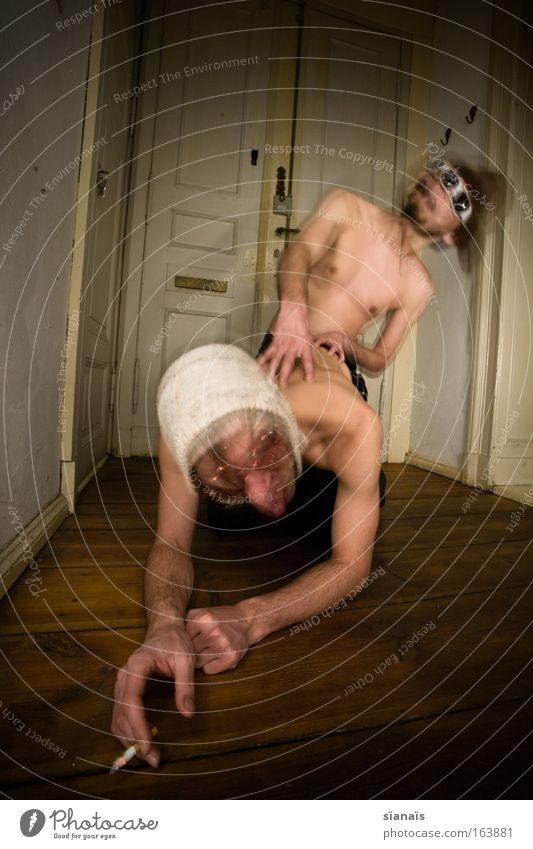 ...denn sie wissen nicht was sie tun... Mensch Mann Jugendliche Freude Erwachsene Bewegungsunschärfe Blick nach oben Paar Sex Haut maskulin Langzeitbelichtung Rauchen 18-30 Jahre berühren Brust