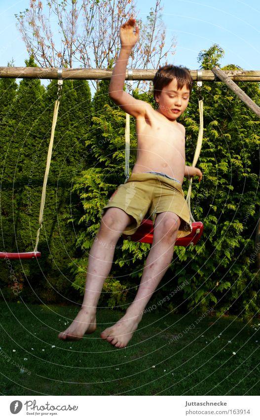 Und ab - Kamikaze Mensch Kind Jugendliche Sommer Freude Leben Spielen Junge Garten Gesundheit Kindheit dreckig Haut maskulin Fröhlichkeit Spielzeug
