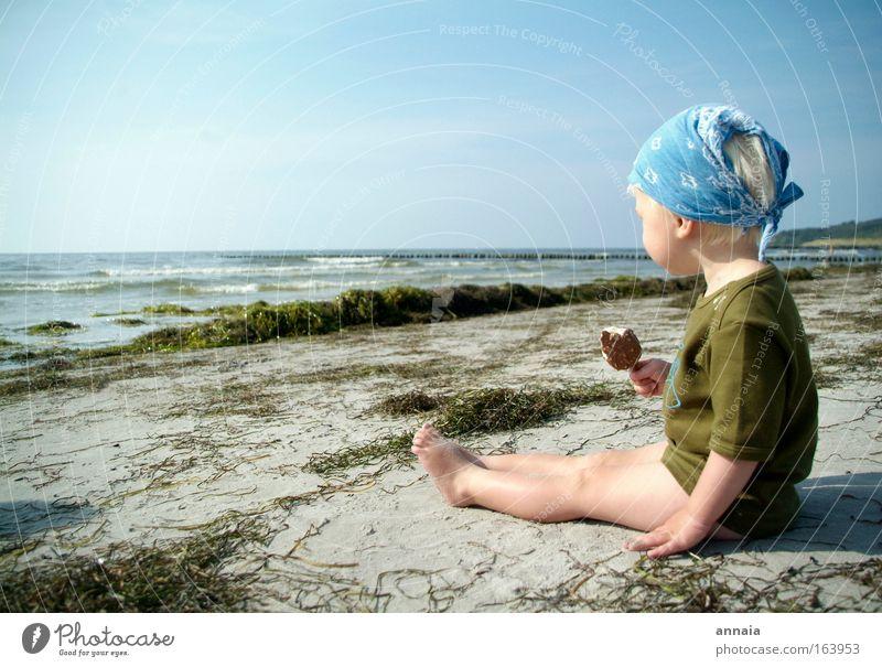 Eisgekühlt Kind Mädchen Meer Sommer Freude Strand Ferien & Urlaub & Reisen Junge Spielen Glück Zufriedenheit Küste frei Insel beobachten