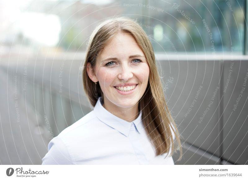 Business Mensch Jugendliche 18-30 Jahre Erwachsene feminin Arbeit & Erwerbstätigkeit Erfolg Kommunizieren Kreativität lernen Lebensfreude kaufen Studium