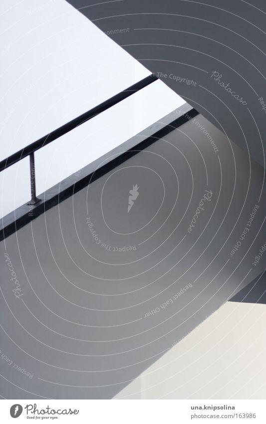 linien weiß schwarz Haus Wand Architektur Mauer Innenarchitektur Stil Metall Kunst Treppe modern Design Beton Lifestyle Häusliches Leben