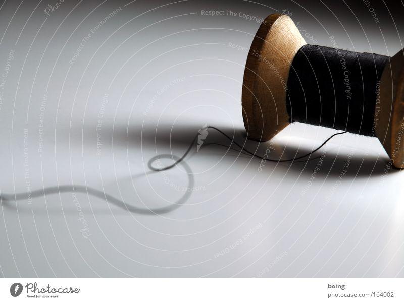 für Zensur-Kai weiß schön schwarz braun Zufriedenheit Seil Unendlichkeit Sitzung Dienstleistungsgewerbe Nähgarn Rolle rollen Nähen Windung Unlust Makroaufnahme