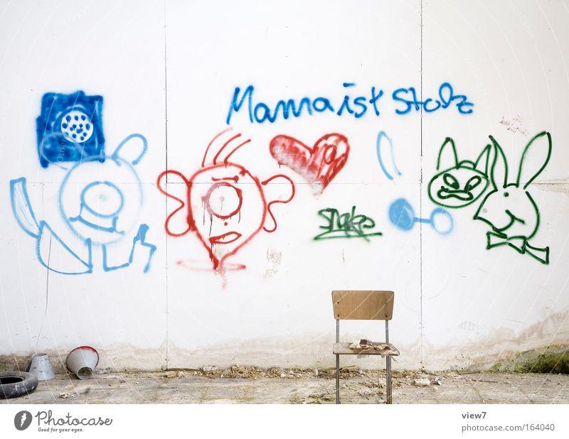 für Mutti alt Haus Graffiti Freizeit & Hobby dreckig groß verrückt Schriftzeichen Perspektive Vergänglichkeit Zeichen Medien Zukunftsangst Zerstörung Spielen