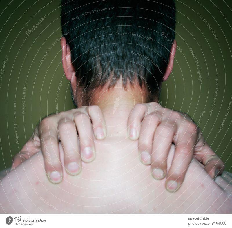 Hands Farbfoto Innenaufnahme Textfreiraum unten Hintergrund neutral Kunstlicht Blick nach hinten Körper Erholung maskulin Junger Mann Jugendliche Erwachsene