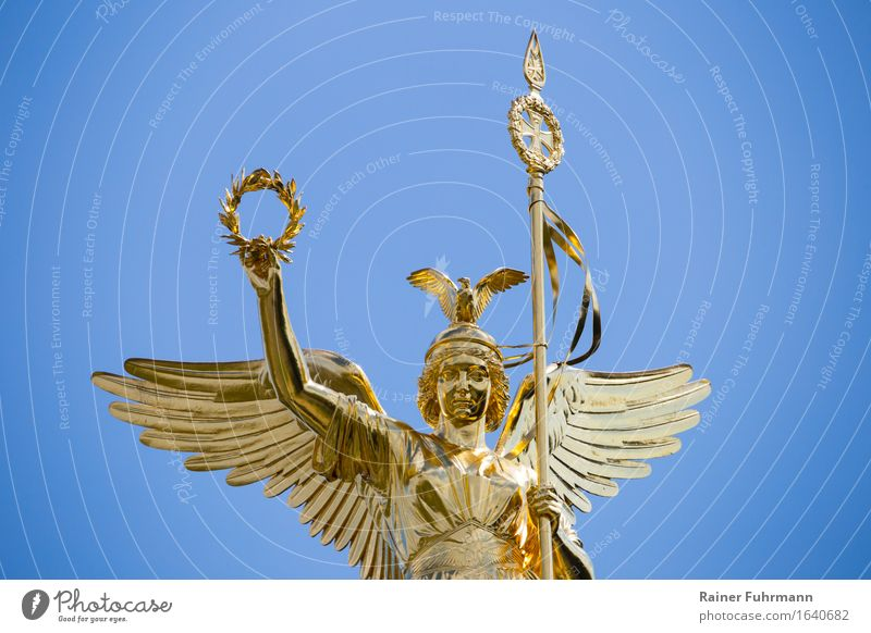 Porträt der Goldelse auf der Siegessäule in Berlin Stadt Deutschland Europa Macht Hauptstadt Denkmal Tiergarten