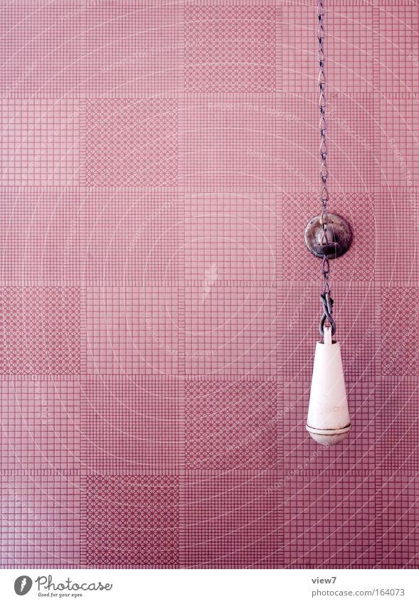 Spülung alt Einsamkeit Design elegant retro Pause Wandel & Veränderung violett Dekoration & Verzierung Toilette Innenarchitektur Tapete Kette Toilettenpapier Knauf