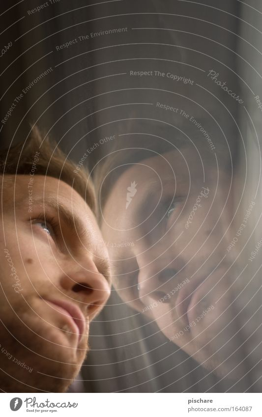 ich mit mir... Mensch Jugendliche Mann schön Junger Mann ruhig 18-30 Jahre Fenster Gesicht Erwachsene Denken träumen maskulin Zufriedenheit Glas blond