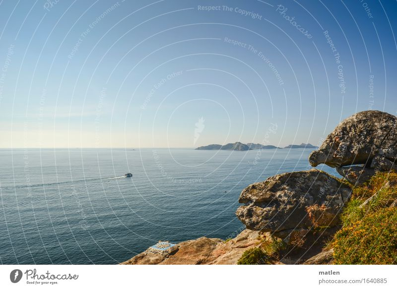 Jakobsweg Natur Landschaft Luft Wasser Himmel Wolkenloser Himmel Horizont Sommer Wetter Schönes Wetter Hügel Felsen Küste Meer Insel Jacht blau braun grün