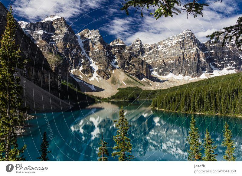 Sonniger Tag am Moraine See Ferien & Urlaub & Reisen Tourismus Sommerurlaub Berge u. Gebirge wandern Natur Landschaft Himmel Wolken Baum Wald Felsen