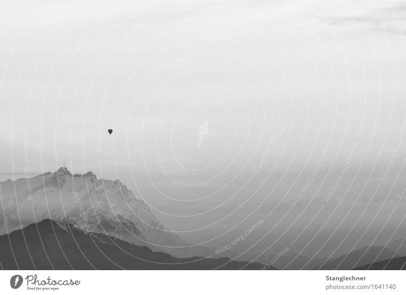 alone..... Natur Landschaft Himmel Horizont Herbst Winter Felsen Berge u. Gebirge Berg Säntis Gipfel Schneebedeckte Gipfel Denken fahren dunkel hoch seriös