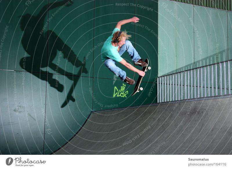 Schattenspiele 2 Sport Skateboard Halfpipe
