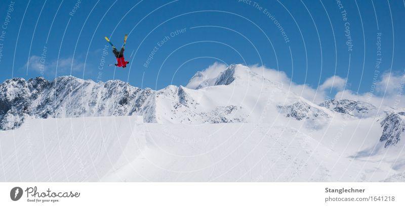 Flipen Sportler Skifahren Sportstätten Skipiste Funpark Schanze Landschaft Himmel Sonne Schönes Wetter Eis Frost Schnee Berge u. Gebirge Gipfel