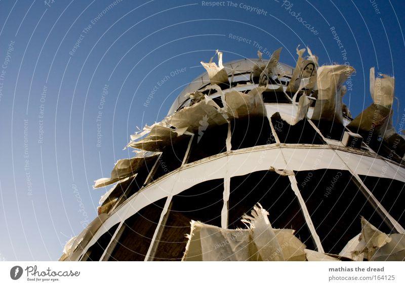 VII alt blau schön Architektur außergewöhnlich fliegen Fassade Luft Idylle trist Wind Zukunft Telekommunikation Turm Wissenschaften Wolkenloser Himmel