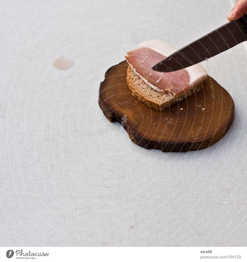 brotzeit weiß Holz Ernährung Lebensmittel dreckig Finger Frühstück lecker Brot Holzbrett Abendessen Fleisch Fleck Messer Backwaren Schneidebrett