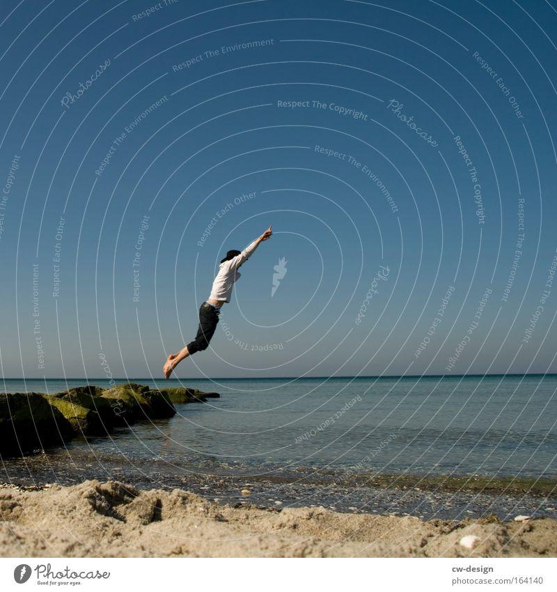 600th - NEXT LEVEL Mensch Mann Natur Jugendliche Wasser Ferien & Urlaub & Reisen Sommer Strand Freude Erwachsene Ferne Landschaft Spielen Freiheit Sand springen