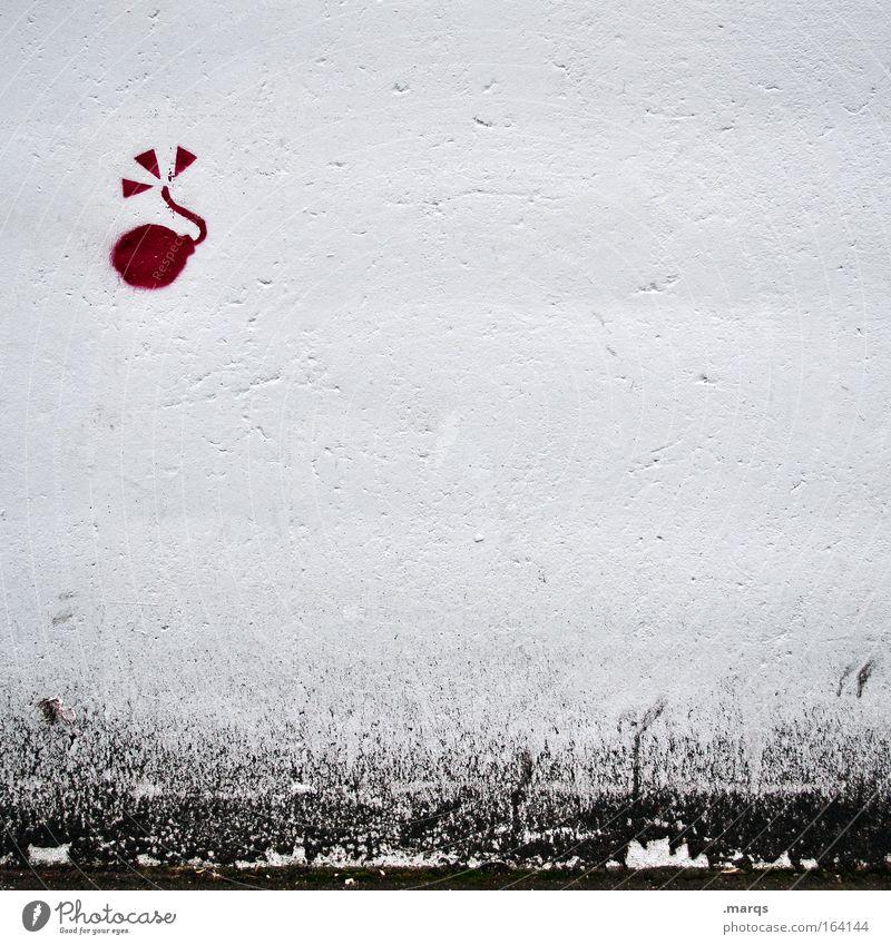 Explosiv weiß Stadt rot schwarz Wand Mauer Graffiti Angst verrückt bedrohlich Wut Gewalt Symbole & Metaphern Verzweiflung Todesangst Desaster