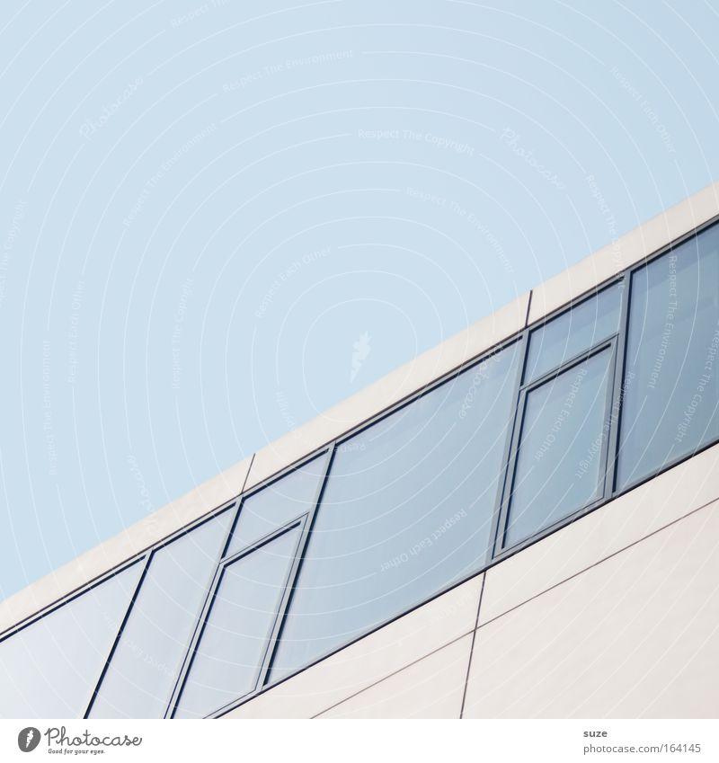 Tendenz steigend blau weiß Fenster Architektur Gebäude Linie Glas Fassade Beton modern Zukunft Hochhaus Studium neu einfach Bankgebäude
