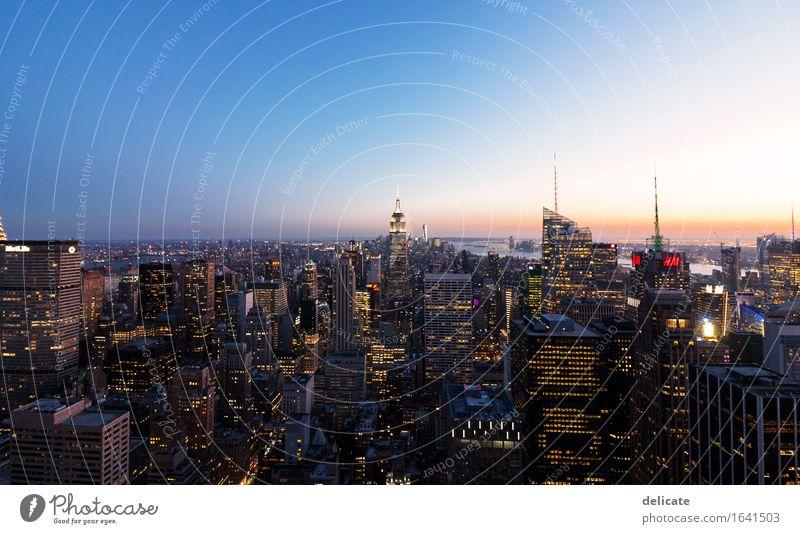 Manhattan Ferien & Urlaub & Reisen Stadt Reisefotografie Architektur Gebäude Hochhaus Bauwerk USA Skyline Wahrzeichen Hauptstadt Denkmal Sehenswürdigkeit