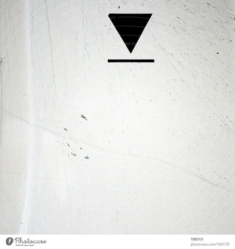 Fotonummer 117080 Pfeil Symbole & Metaphern Grafik u. Illustration weiß schwarz Kontrast farblos dreckig Metall Linie anzeige Bedeutung Geometrie Spitze