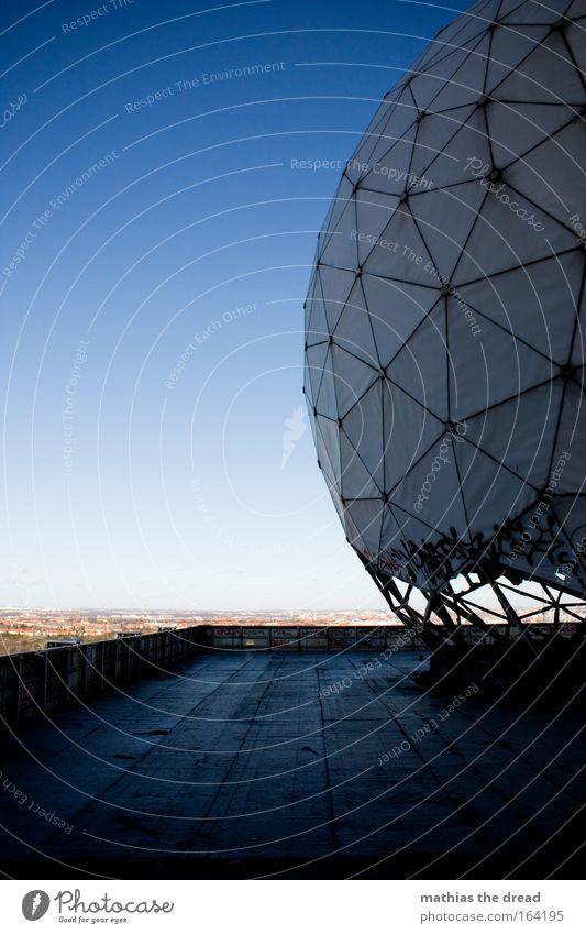 VIII Himmel Natur Architektur Horizont Luft Technik & Technologie groß Zukunft rund Dach Fabrik Wolkenloser Himmel Informationstechnologie Ruine Industrieanlage