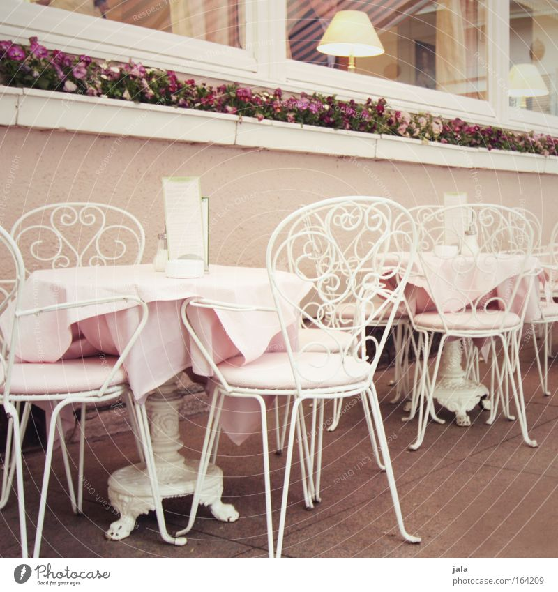 BB 04.09 | Kaffeeklatsch & Schwarzwälder weiß rosa Zufriedenheit elegant Ernährung Tisch süß Stuhl Kitsch Café Gesellschaft (Soziologie) Süßwaren Restaurant