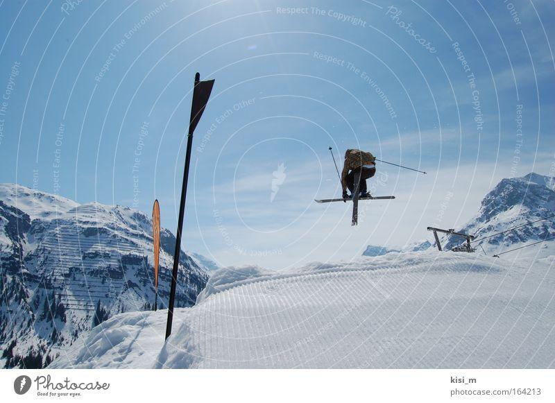 ski-cross Stil Freude Freizeit & Hobby Winter Schnee Winterurlaub Berge u. Gebirge Sport Wintersport Sportler Skifahren Skier Skipiste Himmel Sonnenlicht