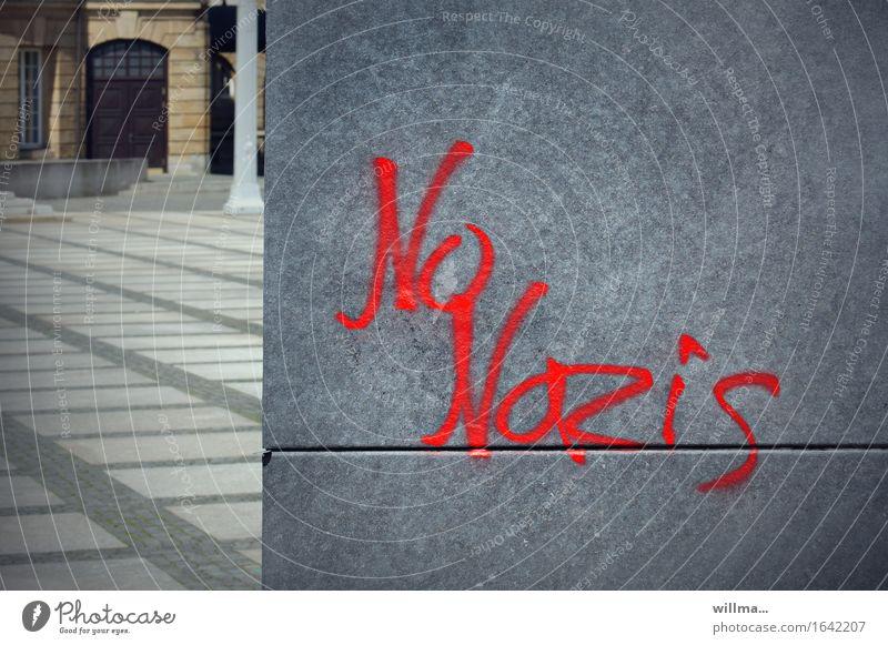 No Nazis Subkultur Chemnitz Schriftzeichen Graffiti Politik & Staat Stadt Faschist protestieren grau Faschismus Farbfoto Außenaufnahme