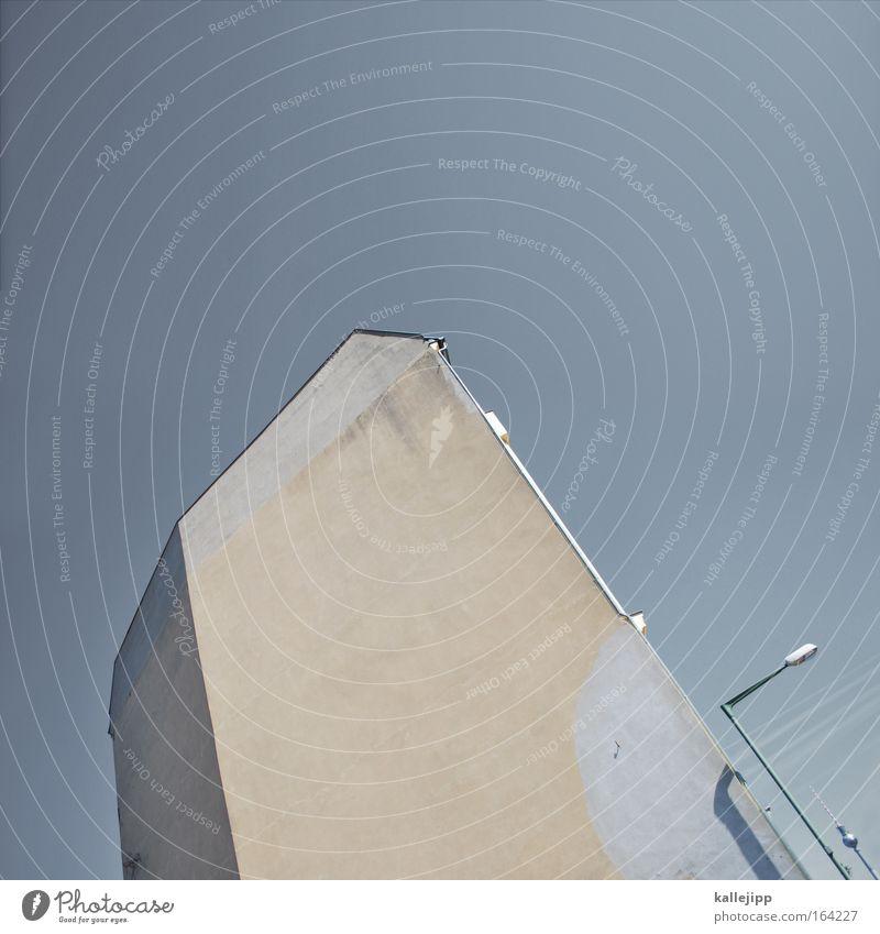eckfahne blau Haus Architektur Gebäude braun Häusliches Leben Perspektive Dach Skyline Wahrzeichen Sehenswürdigkeit Berlin-Mitte Berliner Fernsehturm