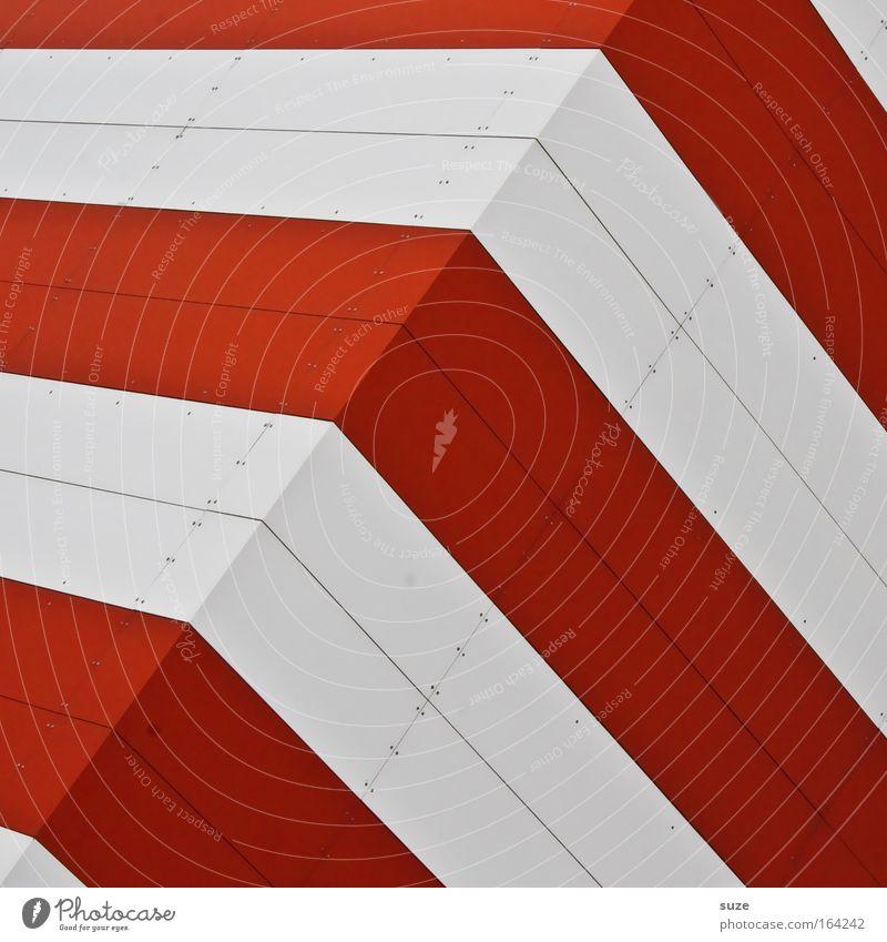 Knick in der Optik weiß rot Wand Mauer Linie Metall Kunst Architektur Beton Fassade modern neu Fabrik einfach Sauberkeit