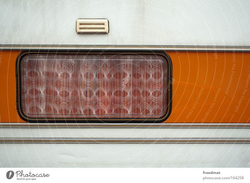 windows 95 weiß Zufriedenheit orange dreckig ästhetisch retro Tourismus authentisch einzigartig Lebensfreude historisch Mobilität Camping Nostalgie beweglich