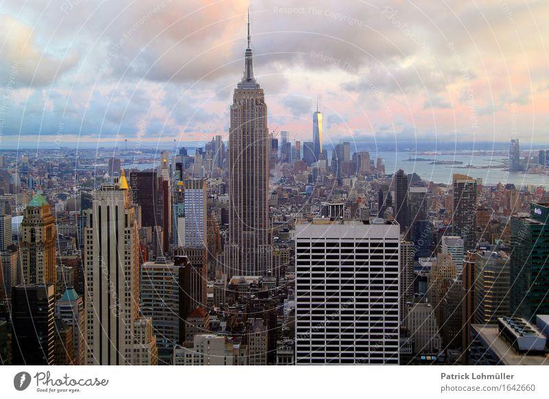 Gotham City New York Himmel Ferien & Urlaub & Reisen Stadt Wasser Wolken Ferne Umwelt Architektur Gebäude außergewöhnlich Horizont Tourismus Büro Hochhaus
