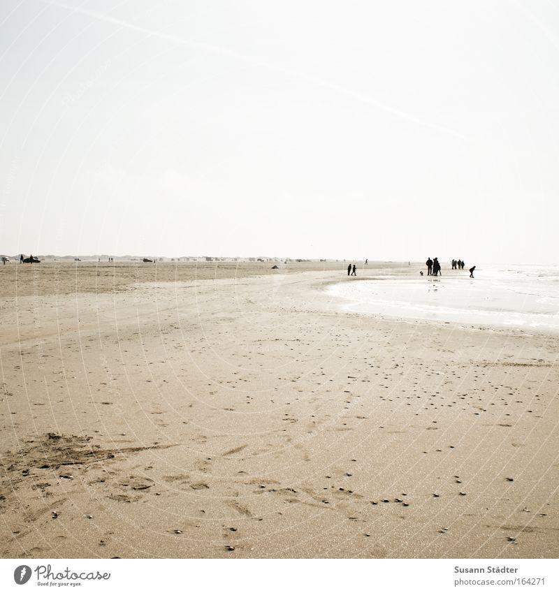 Am Strand von Römö Farbfoto Gedeckte Farben mehrfarbig Außenaufnahme Textfreiraum links Textfreiraum oben Textfreiraum unten Tag Licht Kontrast Silhouette