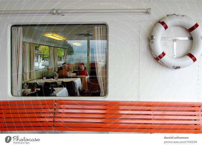 jetzt fahr`n wir übern see, übern See ... Mensch weiß rot Freude Ferien & Urlaub & Reisen Erholung Menschengruppe Wasserfahrzeug Ausflug Tourismus