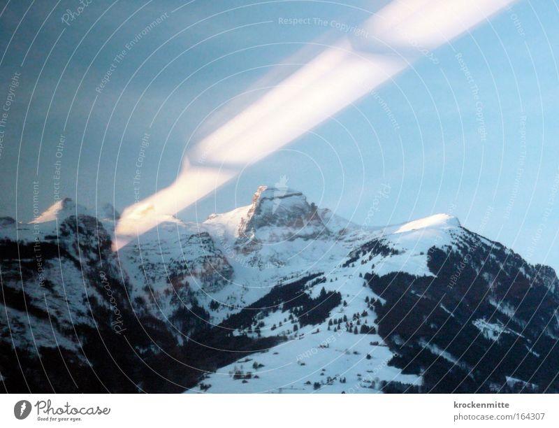 UFO SICHTUNG IN DER SCHWEIZ? Natur blau Wald Schnee Berge u. Gebirge Stein Landschaft Schweiz Alpen Gipfel Urelemente Ostschweiz Schneebedeckte Gipfel