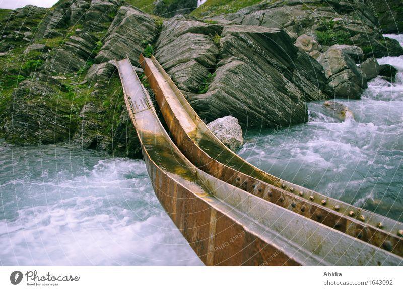 Irrwege VIII Wasser Felsen Fluss Brücke Stahlträger Metall paarweise wild Mut Vertrauen Sicherheit Angst gefährlich improvisieren Rost Vergänglichkeit