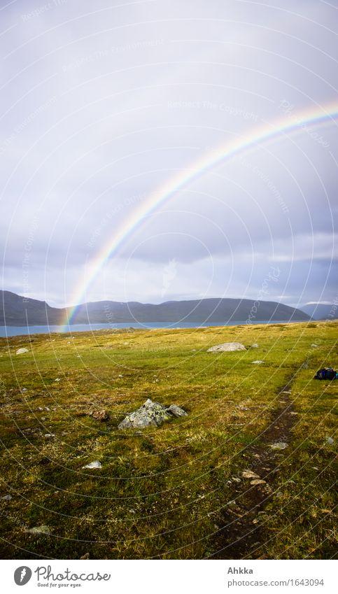 Himmel- & Erdenweg Ferien & Urlaub & Reisen Abenteuer Ferne Freiheit Regen Berge u. Gebirge Wege & Pfade Regenbogen wandern Verantwortung Vorsicht Hoffnung