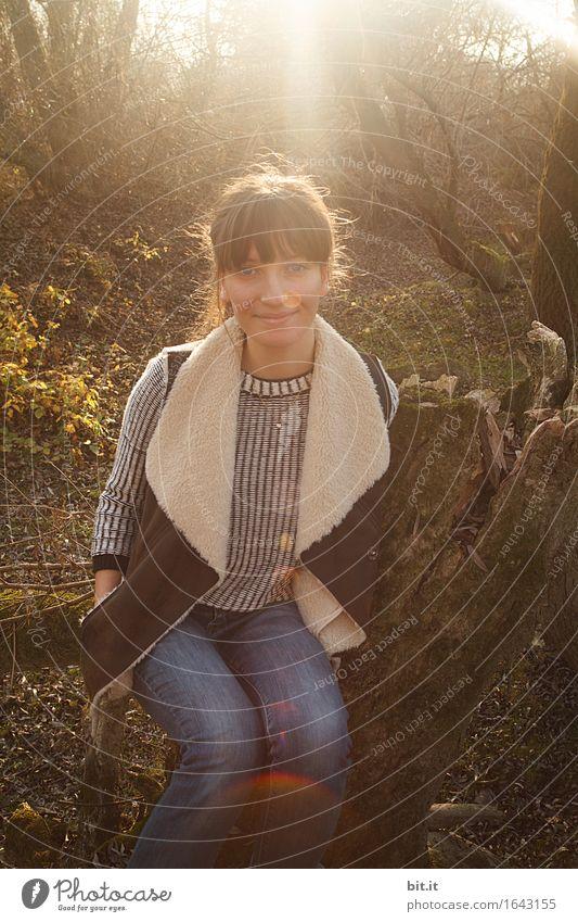 Hallo Herbst... Natur Jugendliche Junge Frau Wald feminin Glück Zufriedenheit herbstlich
