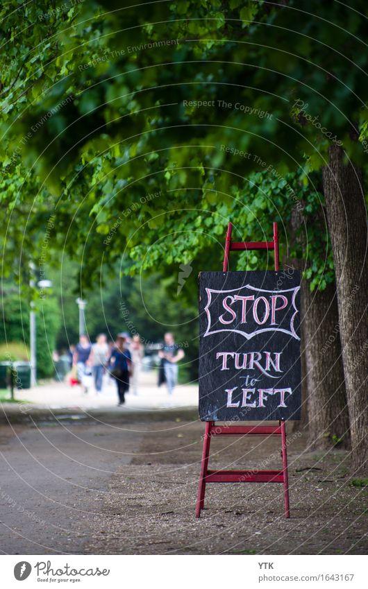 STOP Lifestyle Reichtum Freizeit & Hobby Mensch Familie & Verwandtschaft Freundschaft Paar Jugendliche Erwachsene Menschengruppe Menschenmenge 18-30 Jahre