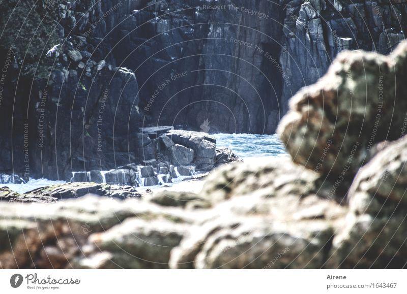 Urgestein Landschaft Wasser Schönes Wetter Felsen Küste Bucht Meer Atlantik Klippe Stein gigantisch natürlich stark blau braun grau bizarr Kraft Naturgewalt
