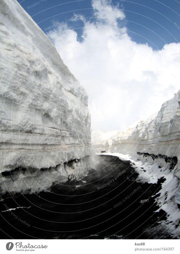 way to heaven Himmel blau Wolken Winter Straße kalt Schnee Berge u. Gebirge Wege & Pfade Mauer Eis Ausflug Frost heiß Italien Rauch