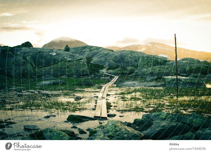 Der hohe Norden II Natur Ferien & Urlaub & Reisen Landschaft Ferne Berge u. Gebirge Leben Wege & Pfade Stimmung Felsen Tourismus wandern Perspektive Beginn