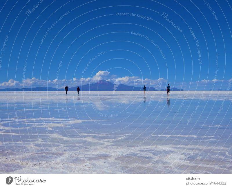 Himmelspiegel, Salar de Uyuni, Bolivien Mensch Natur Ferien & Urlaub & Reisen blau Wasser weiß Wolken ruhig Ferne Berge u. Gebirge außergewöhnlich hell träumen