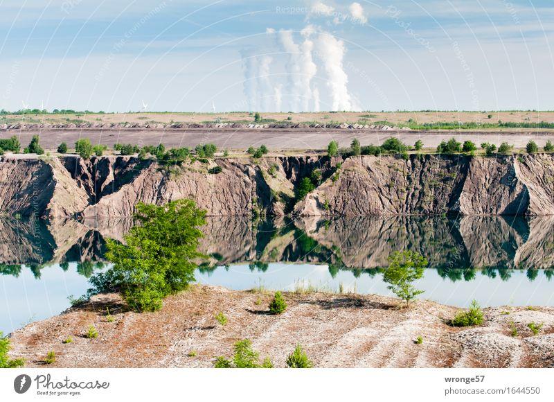 Braunkohleland Energiewirtschaft Kohlekraftwerk Industrie Umwelt Landschaft Urelemente Erde Sand Luft Wasser Himmel Wolken Horizont Sommer Baum Seeufer