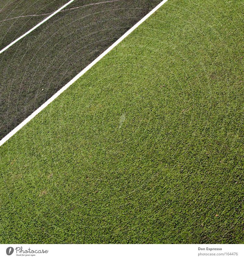 Freiraum grün Sport Spielen grau Schilder & Markierungen frei trist Freizeit & Hobby Streifen Ordnungsliebe Tennisplatz Sportstätten Markierungslinie