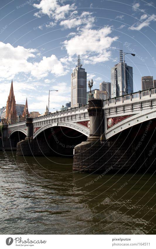 Melbourne alt Gebäude Architektur Hochhaus Brücke modern Bankgebäude Skyline Denkmal Bauwerk Stadt Wahrzeichen Stadtzentrum Australien