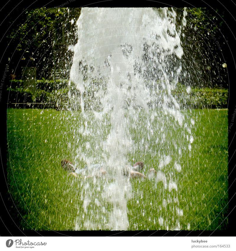 Sleeping in the midday sun Wasser grün Sommer ruhig Erholung Wiese kalt Gras Garten Wärme Frühling Park Zufriedenheit liegen Wassertropfen schlafen