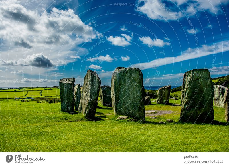 Drombeg keltischer Steinkreis an der Küste von Irland Republik Irland Kelten Landschaft mystisch Energie Religion & Glaube alt Cork drombeg stone circle Felsen